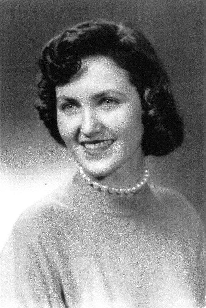 Rosamund Elisabeth Davis  Obituary